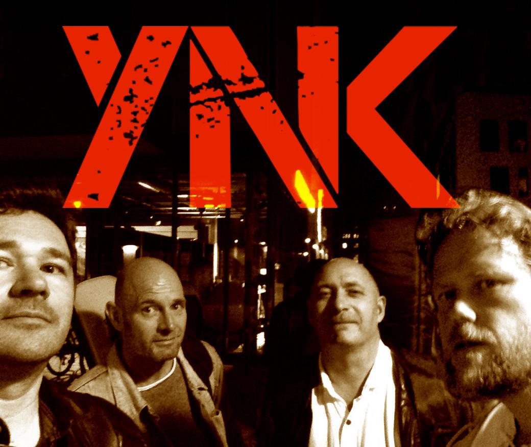 Ynk-bandbilde m logo